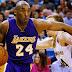 Kobe Bryant será operado del hombro y quedaría fuera por el resto de la temporada.