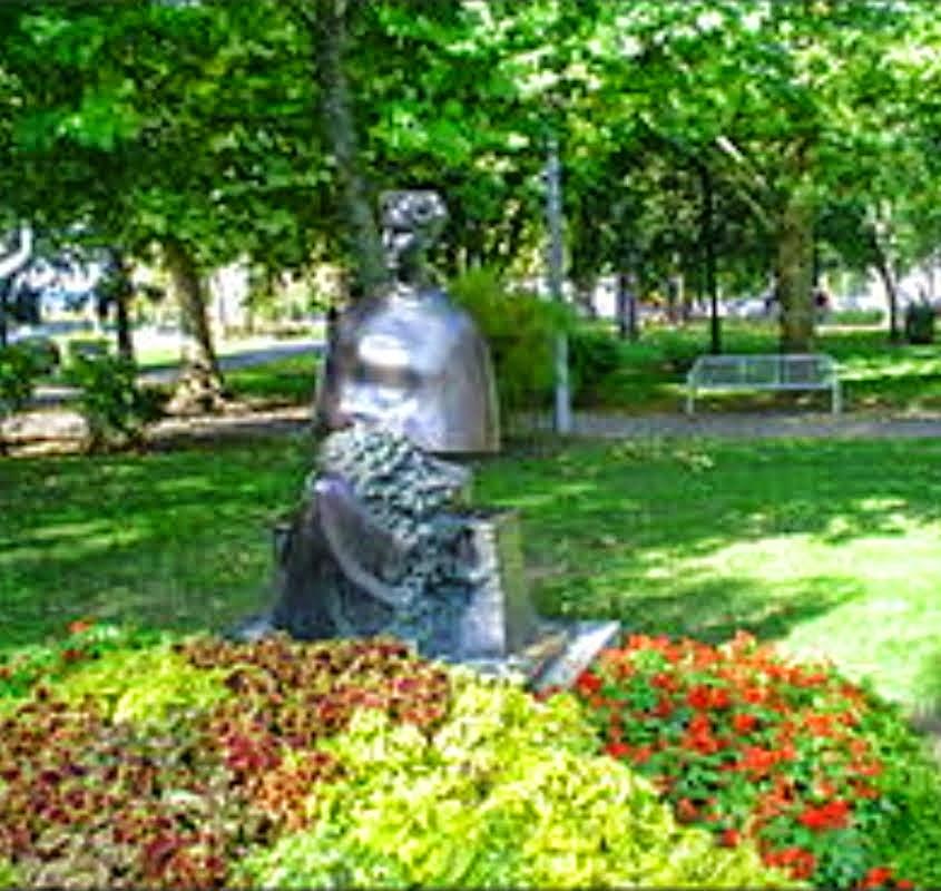 Spomenik Ivani Brlić Mažuranić