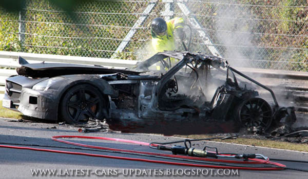 Mercedes-Benz SLS AMG black suffers fiery wreck