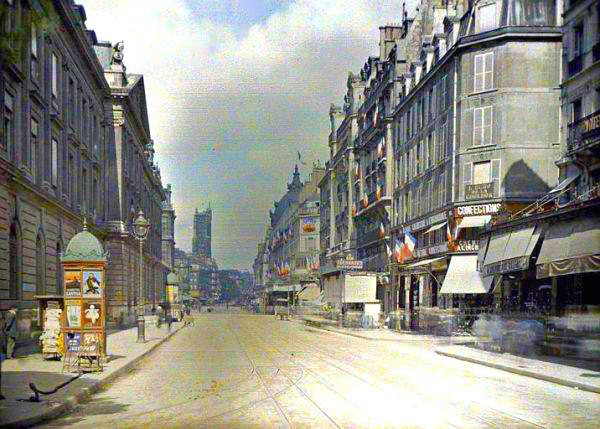 Vintage everyday rare color photography of early 1900s paris for Architecture 1900