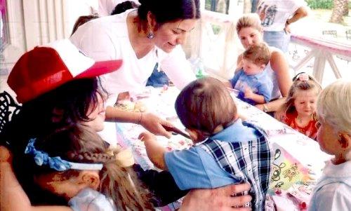Foto di Michael e i bambini - Pagina 20 Hands+on+hands+full+daddy