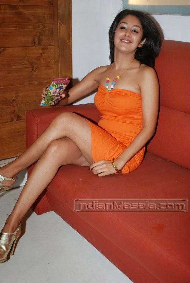 Anjali Pandey thighs orange