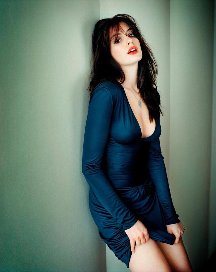 Anne Hathaway Haircut 38