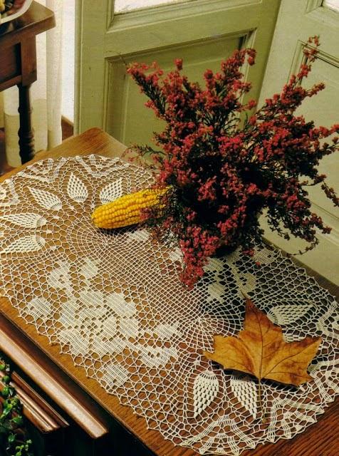 Centro de mesa al crochet con motivo de rosa