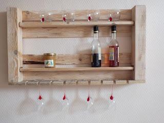 Muebles de palets estanter a de cocina hecha de palets - Estanterias de palet ...