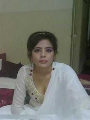 Pakistani-Aunties