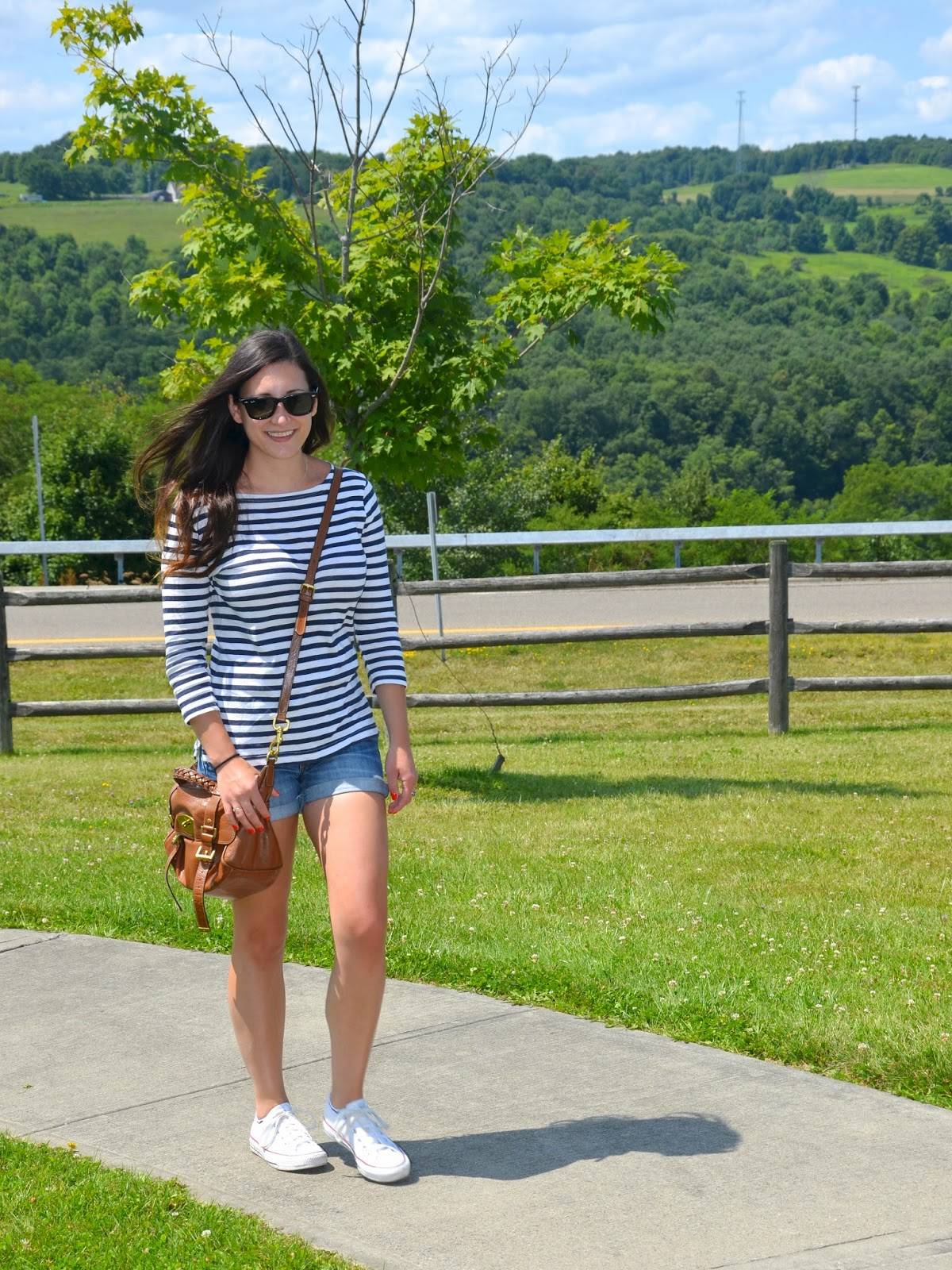 on the road | striped tee, denim shorts + white converse