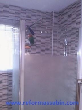 Reformas sabin en sevilla cambio de ba era por plato de for Cambiar grifo ducha