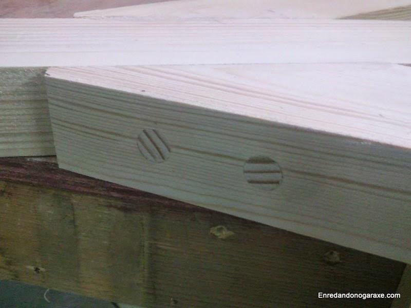 Espigas de madera encoladas, cortadas y lijadas. Enredandonogaraxe.com