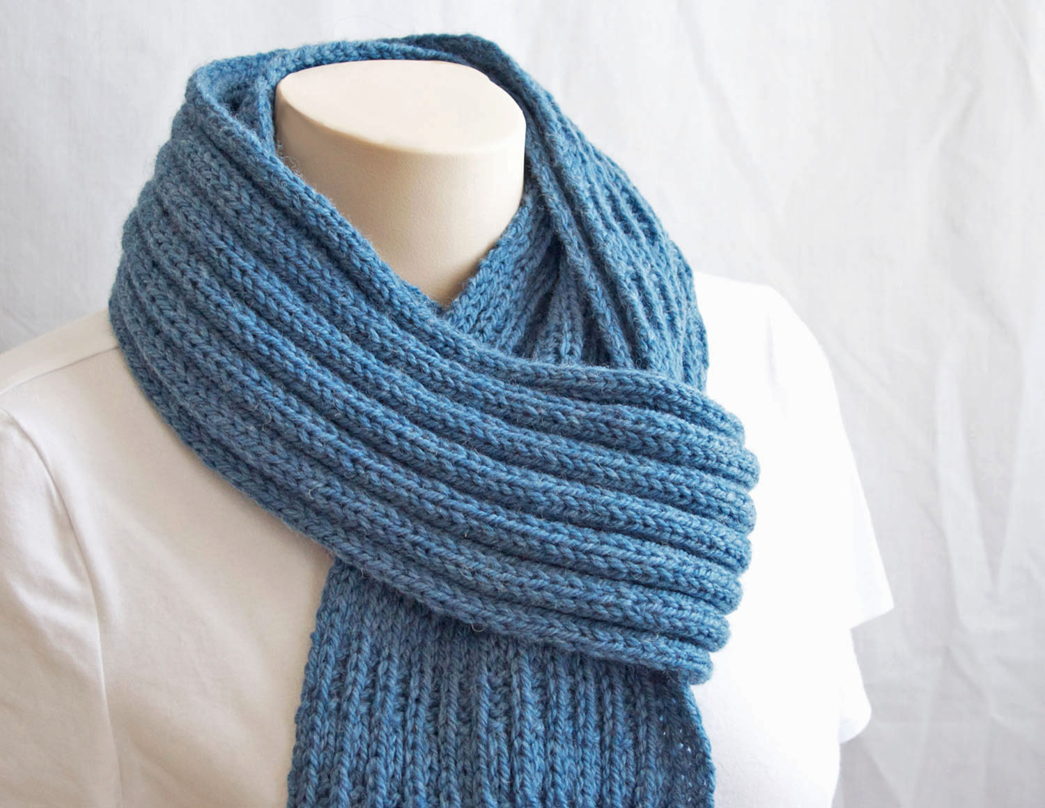 Easy Scarf Knitting Patterns For Men : Une maille a la fois: Knitting Pattern Scarf ... Patron pour un foulard