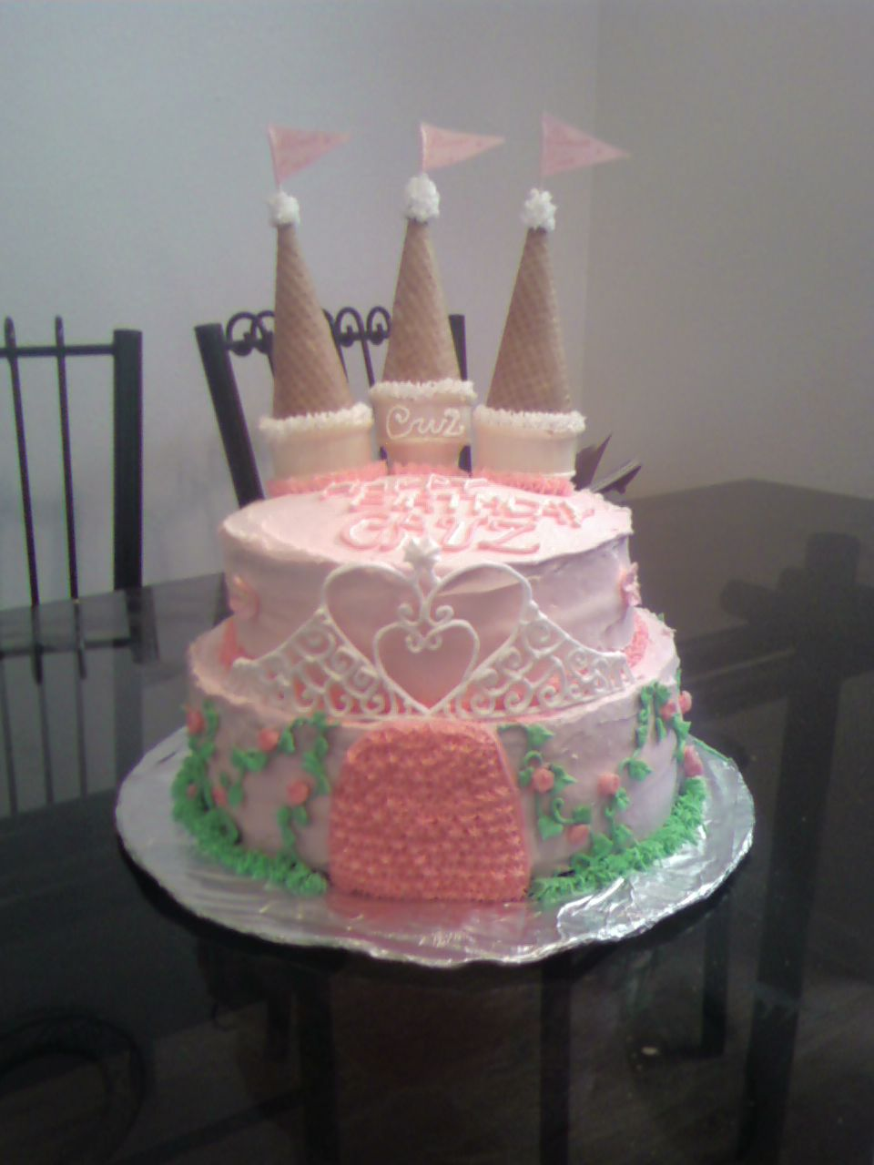 Easy Castle Cakes for Girls http://chrissypcakes.blogspot.com/2011/06/simple-castle-cake-for-little-girl.html