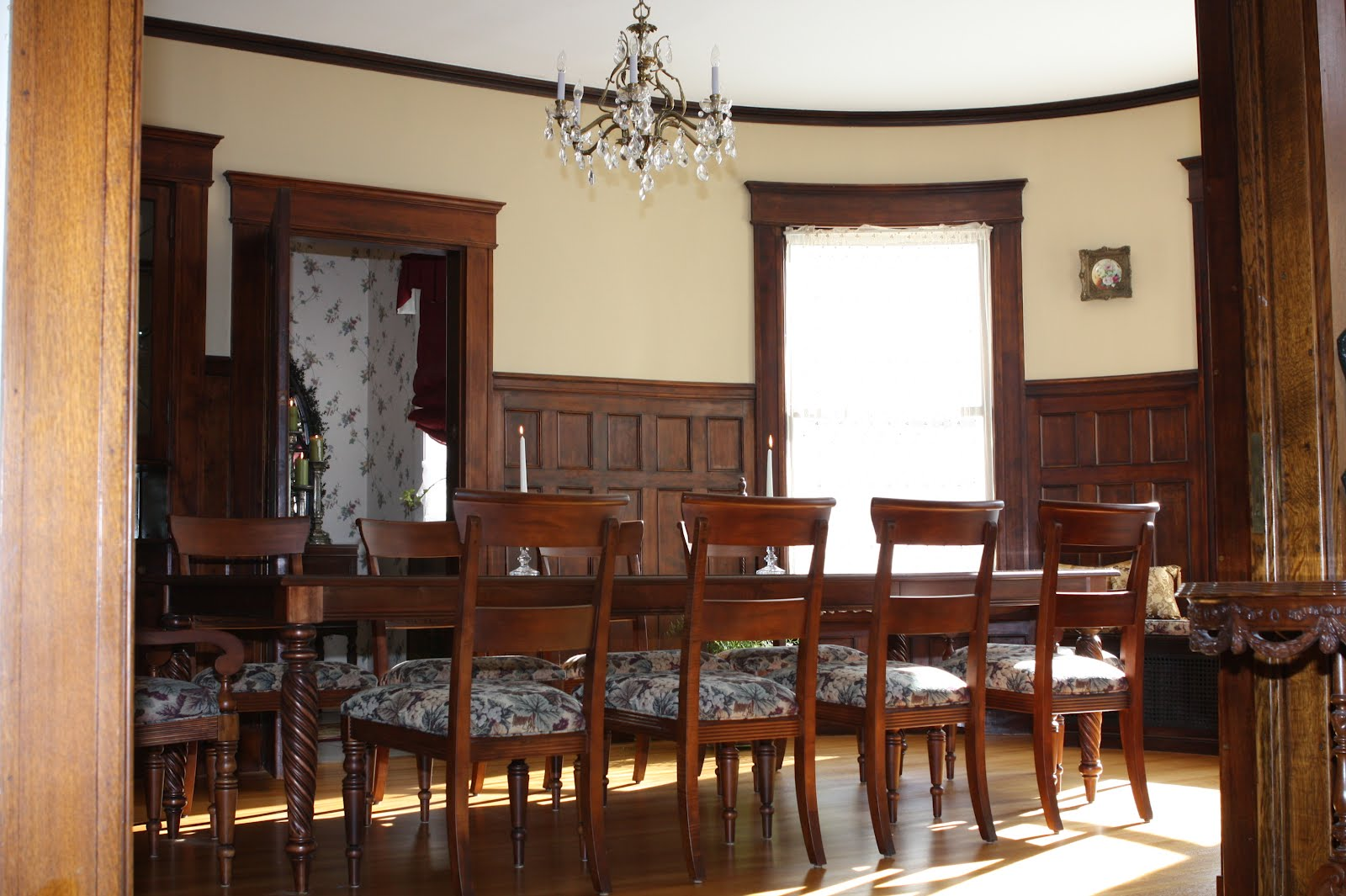 Mansion Dinner Tables