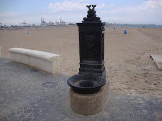 Water fountain photo - Valencia Beach