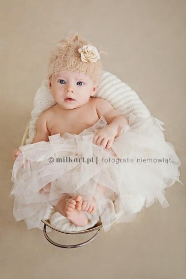 profesjonalna sesja niemowlaka, zdjęcia dziecka, fotografia niemowlęca, profesjonalne studio fotograficzne w poznaniu