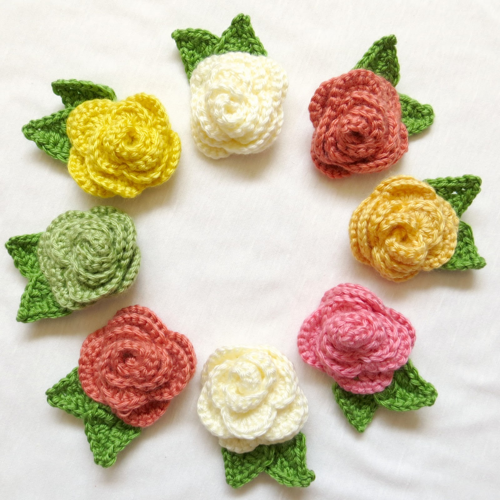 two-forty-six: Crocheted Rose Brooches!