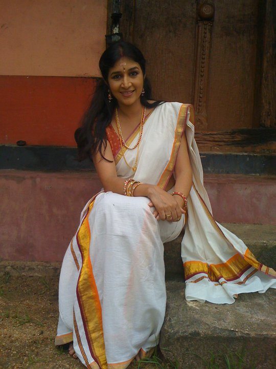 Chakravakam Serial Actress