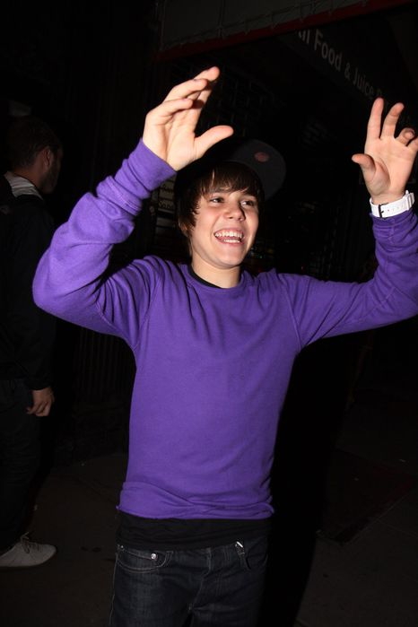 justin bieber pictures new. 2011 Justin Bieber. New kid