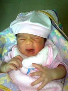 Aishwarya  Baby on Omg Celebrities Photos  Aishwarya Rai Baby Munda And Wacoal Bras