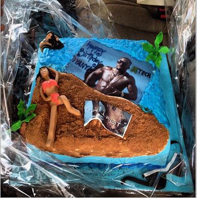 Iyanya's Custom-Made Cake For His Birthday | Picture.