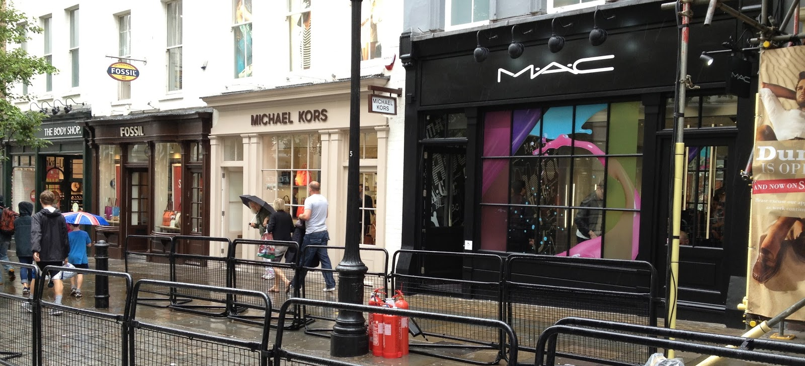I do love magazines mac cosmetics new store opened today covent garden - Covent garden magasin ...