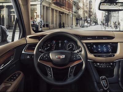 Cadillac XT5 at LA Auto Show 2015