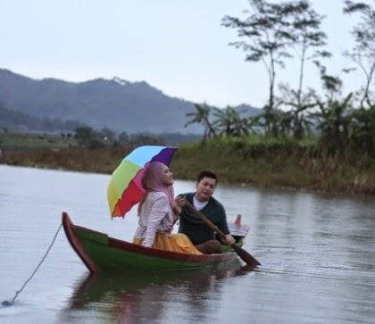 pacaran di perahu