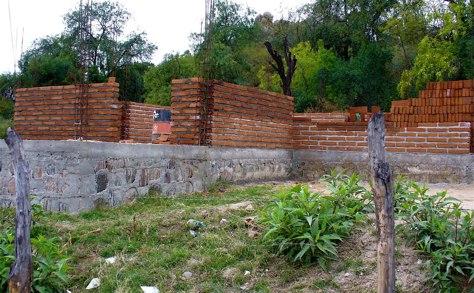 Alt build blog building a brick house in mexico for Brick home construction costs