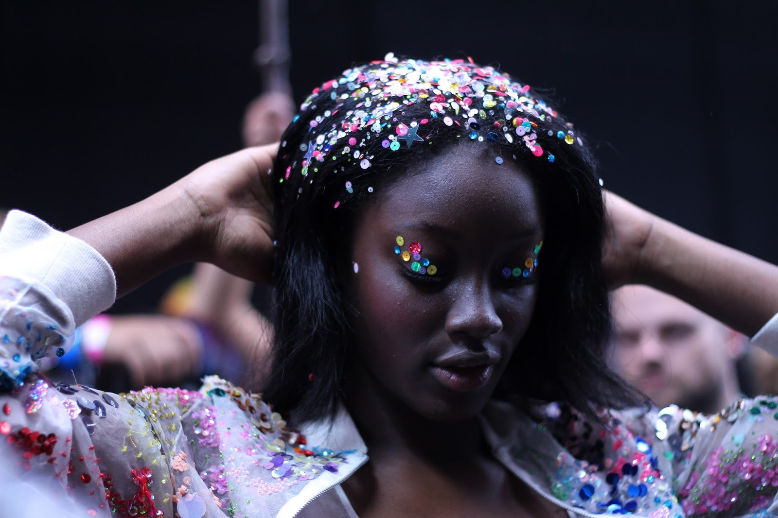 ashish ss16 backstage hair