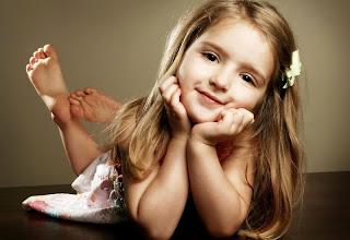Model rambut panjang lurus anak perempuan