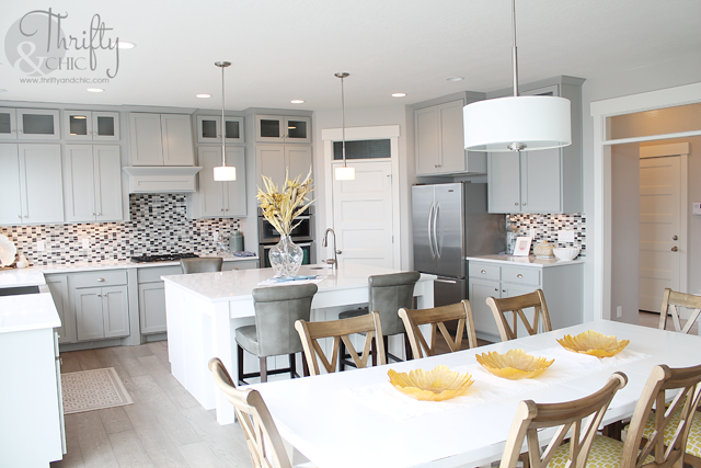 two toned kitchen cabinets with grey and white