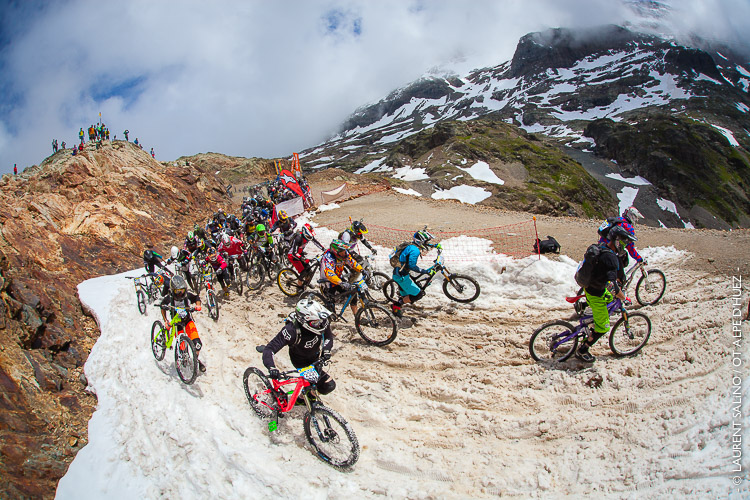 Mégavalanche Alpe d'Huez - 2014 © LAURENT SALiNO