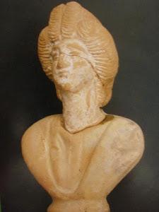 Busto de mujer (terracota romana)