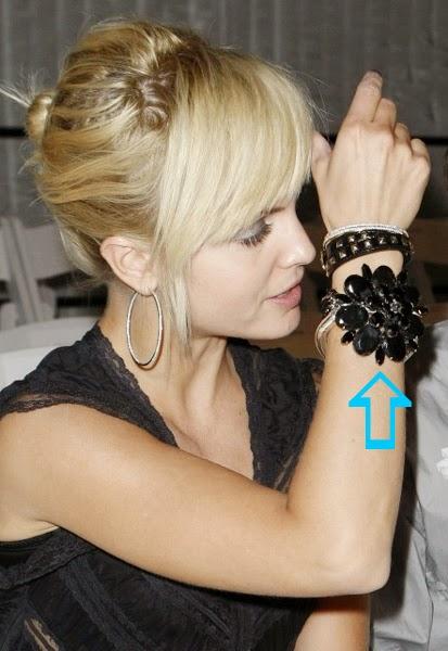 Mena Suvari wearing a bracelet by Jenny Dayco