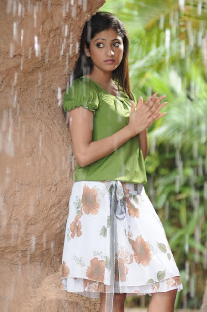 Model and Actress HariPriya Cute Pics in rain