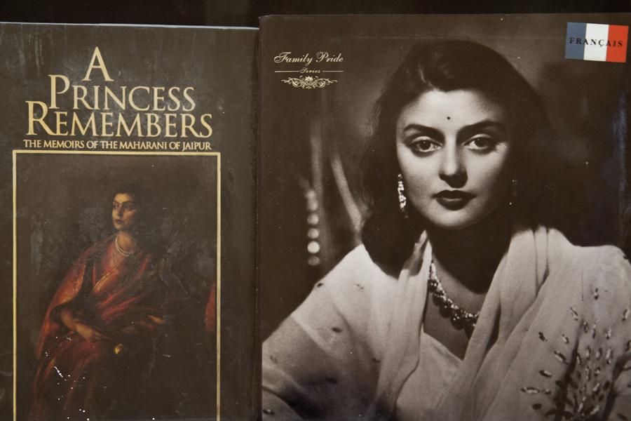 Jaipur-Amer-Fort-Bookshop-Maharani_Gayatri-Devi
