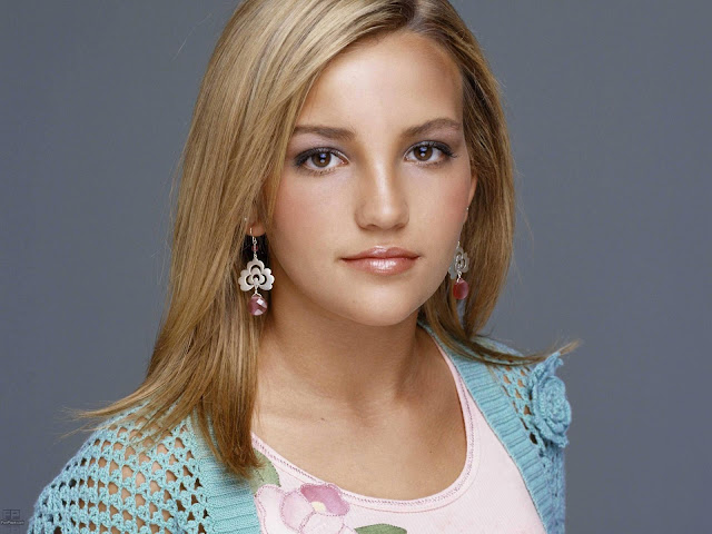 Glamorous Jamie Lynn Spears HD Wallpaper