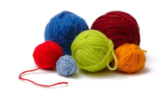 Yarn Knitting : http://www.iowapark.com/wp-content/uploads/2015/08/Yarn2.jpg