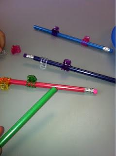 lápis,Coordenação Motora,coordenação motora fina, educação infantil,brincar,brincadeiras,creche,