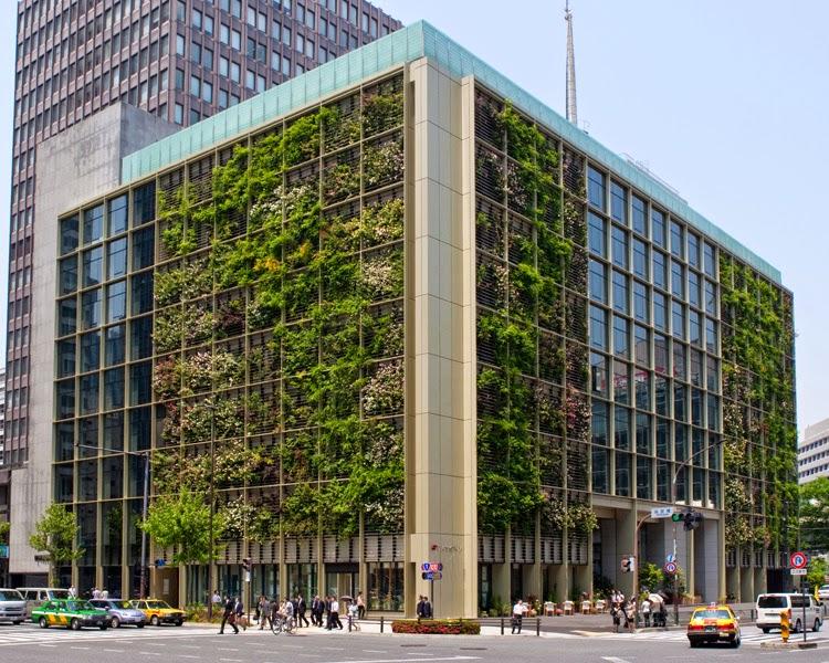 Oficinas en tokio con jard n y granja vertical jardines for Edificios con jardines verticales
