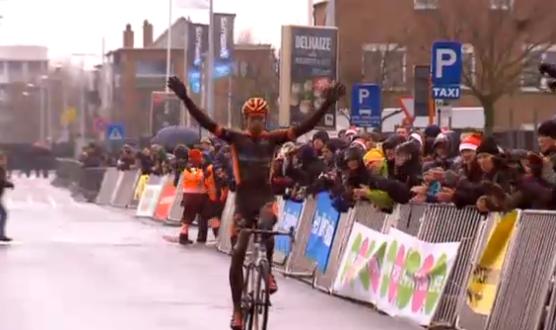 Wout van Aert remporte le cyclo-cross de Bredene 2014