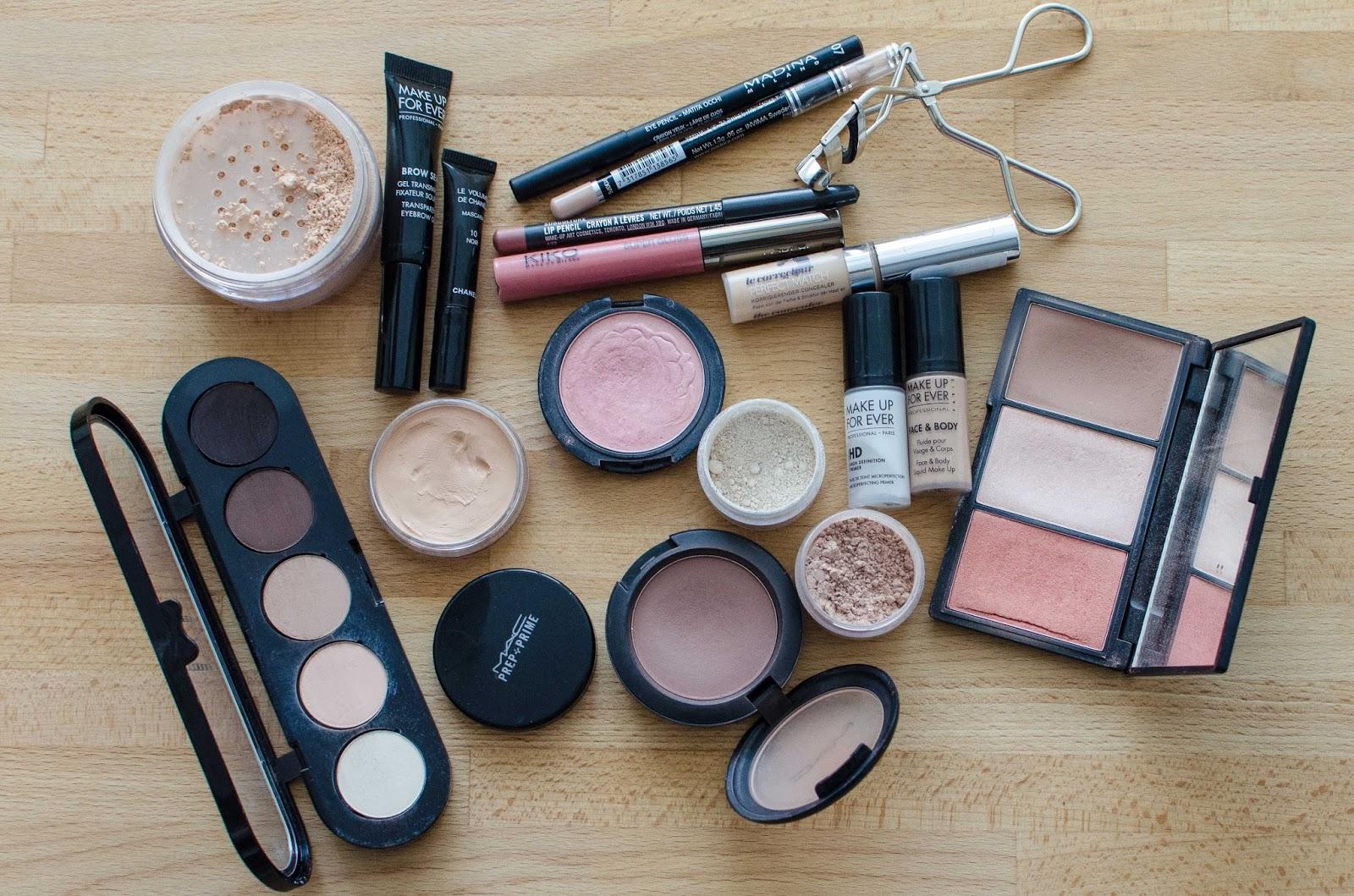 Какая косметика хорошая для макияжа