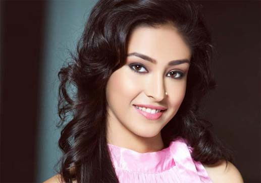 Navnit kaur Dhillam Miss India 2013