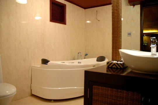 Bathroom - White Dolphin Cruise