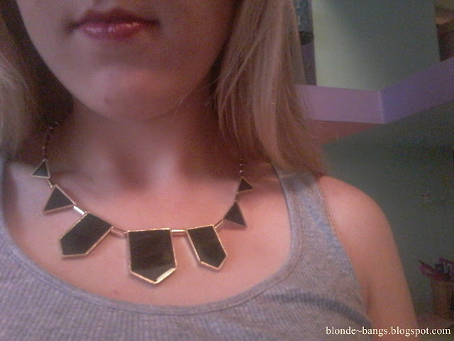 http://www.dresslink.com/stylish-personalized-black-geometric-shape-choker-disposition-bib-necklace-p-11162.html?utm_source=blog&utm_medium=cpc&utm_campaign=Zofia534