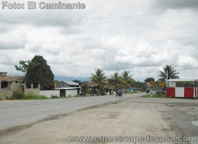 Carretera Fernando Belúnde Terry pasando a través de Rioja, Perú