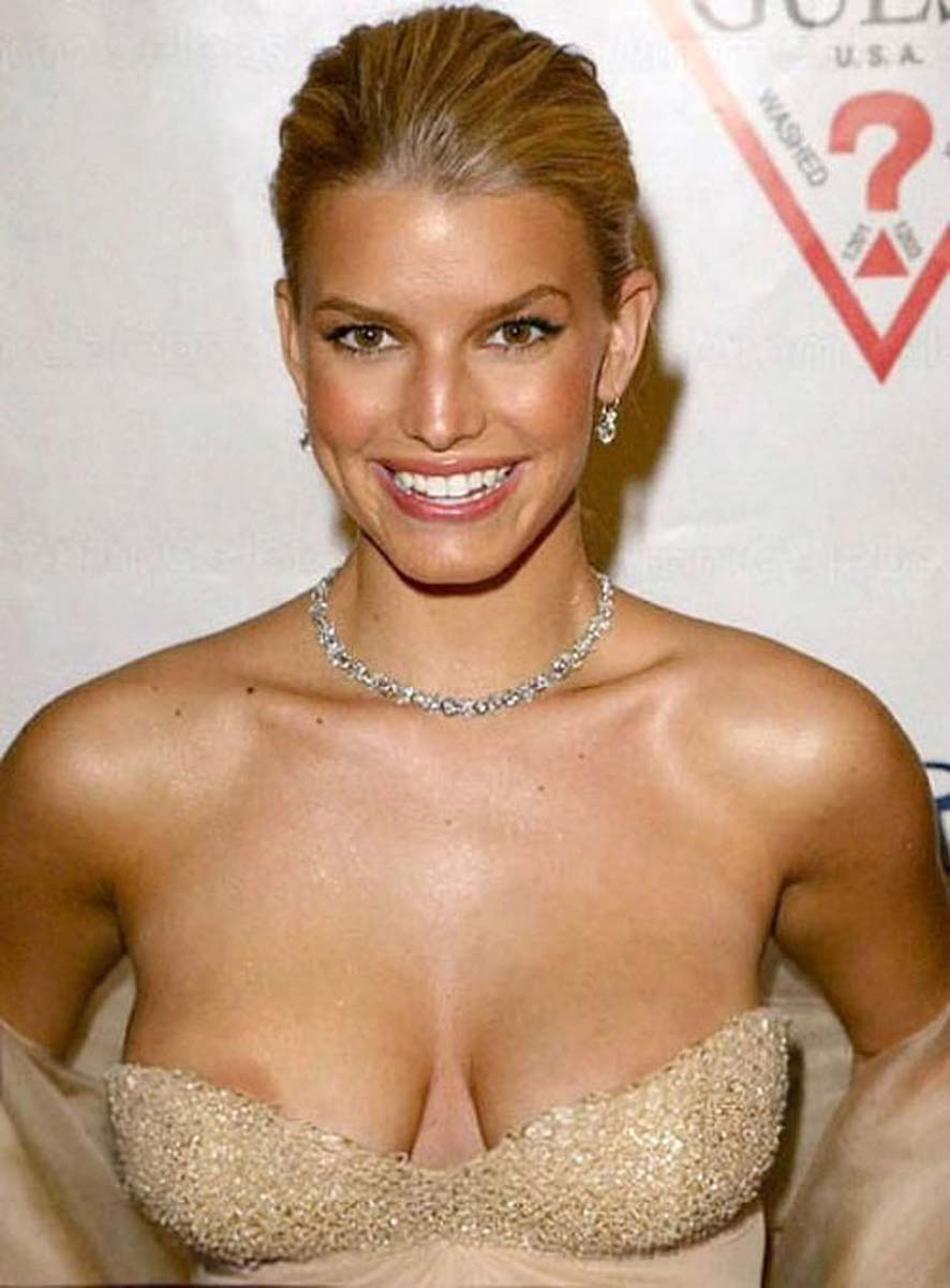 jessica simpson boobs