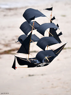 pirate boat kite