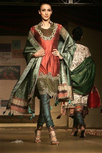 印度服装 - 雪山 - .