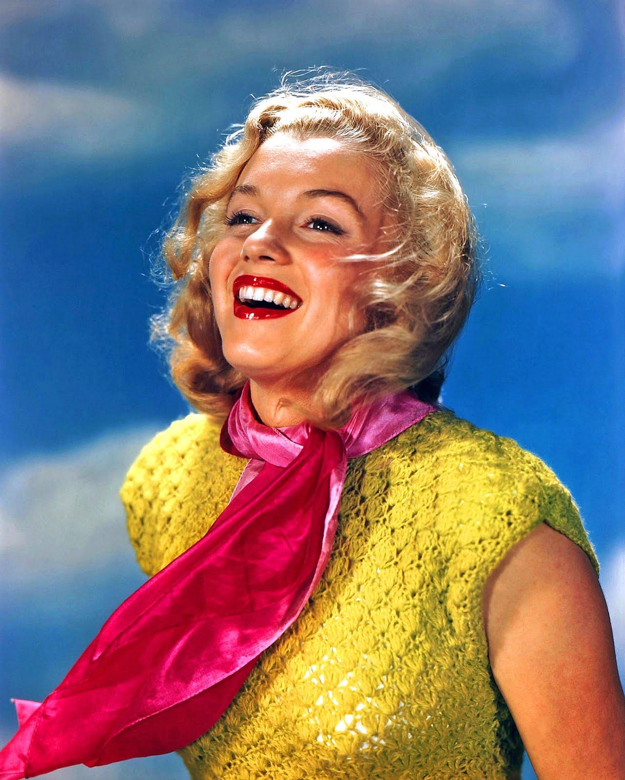http://1.bp.blogspot.com/-PZE26EXqbfo/UOLvipwKtpI/AAAAAAAAUes/giFJAzrVP6M/s1600/Young-Marilyn-Monroe-Beautiful.jpg