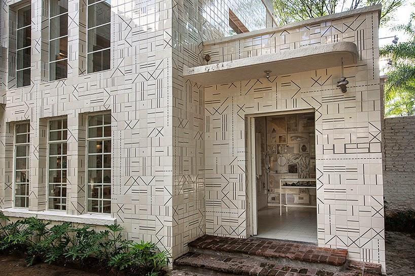 gaya-interior-dan-dekorasi-unik-ribuan-tulang-hewan-di-rumah-makan-Hueso-001